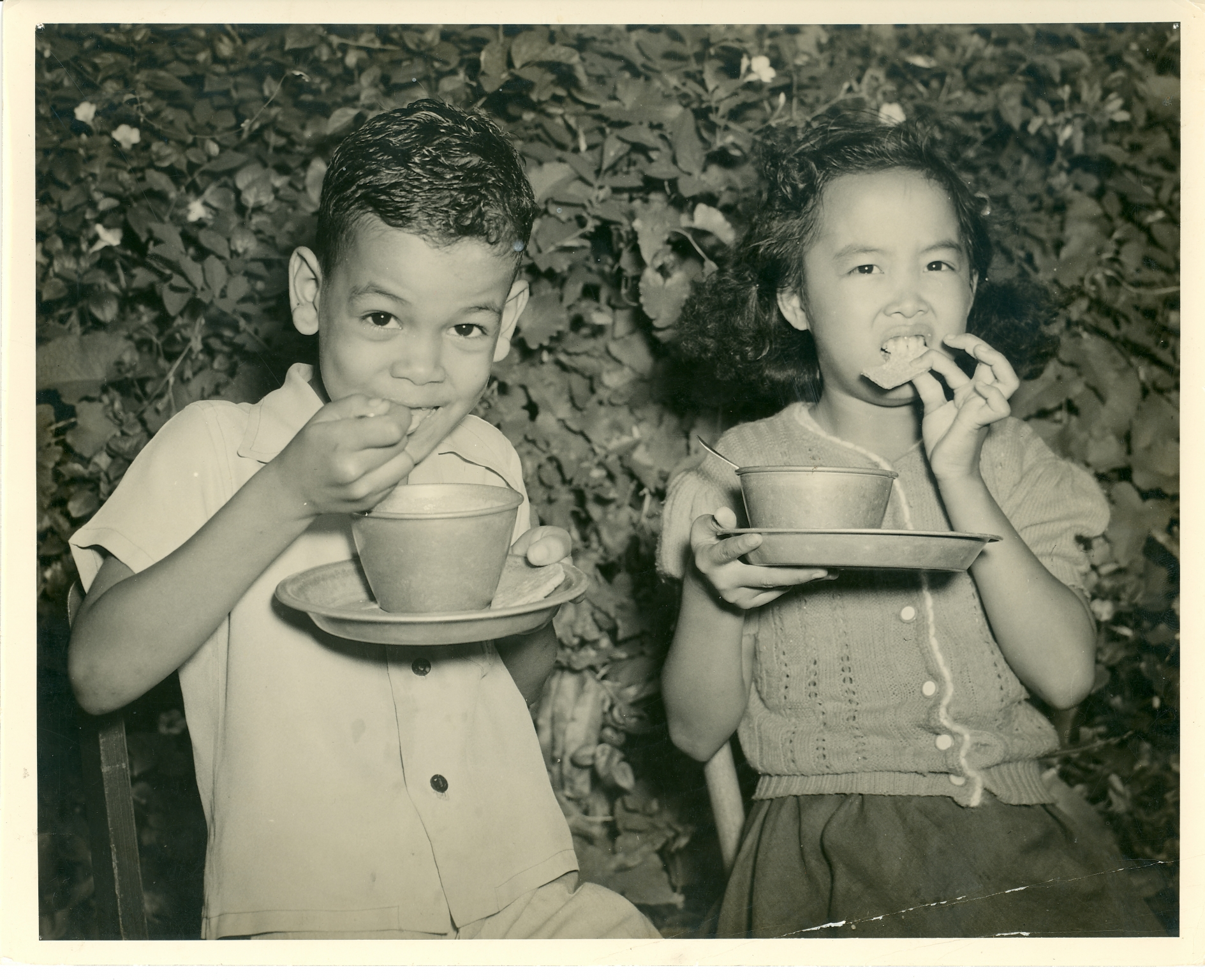 Children Eating Oct. 1941