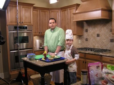 Season 1 host Greg Mezey with child chef Ethan Casteel in the Wrap it up with Wraps episode, filmed in Memphis, TN